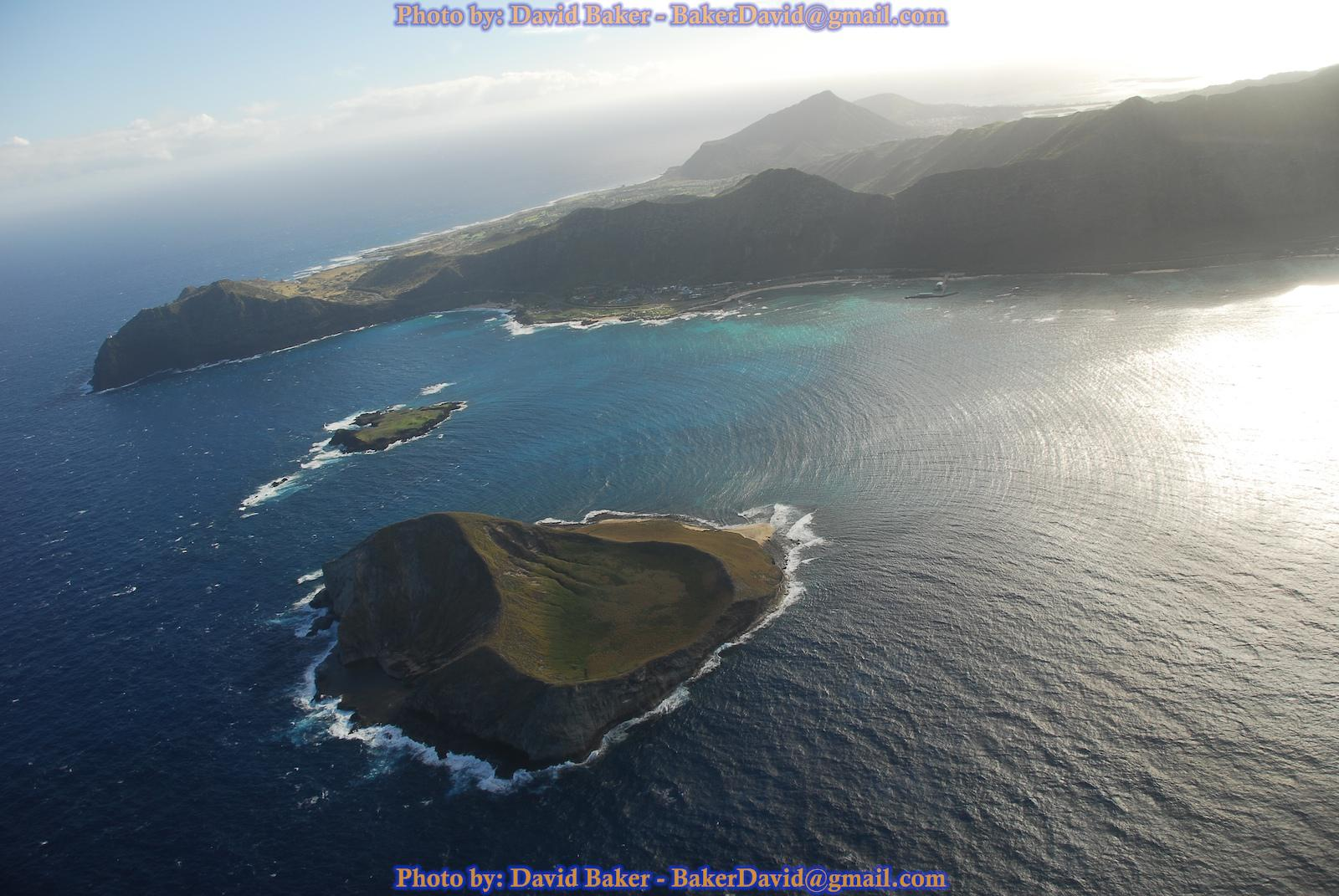"""Oahu Windward (East) Shore<br />Photo <a href=""""//creativecommons.org/licences/by-nd/3.0/"""" class=""""cc-small"""" target=""""_blank""""><img typeof=""""foaf:Image"""" class=""""image-style-none"""" src=""""//i.creativecommons.org/l/by-nd/3.0/80x15.png"""" width=""""80px"""" height=""""15px"""" alt=""""Creative Commons Licence"""" /></a> <a href=""""https://www.flickr.com/photos/49672978@N00/360458953"""">David Baker</a>"""