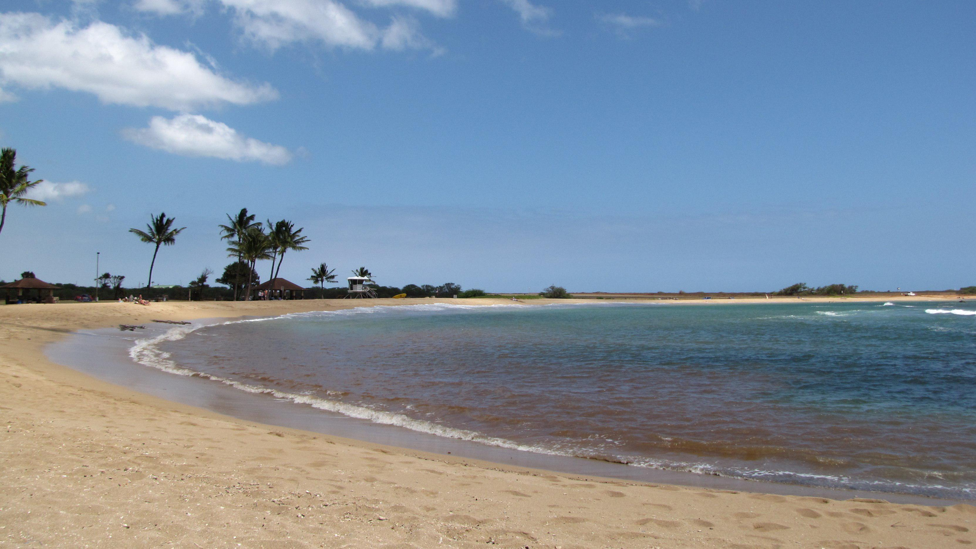 """Kauai South Shore<br />Photo <a href=""""//creativecommons.org/licences/by-nc-nd/3.0/"""" class=""""cc-small"""" target=""""_blank""""><img typeof=""""foaf:Image"""" class=""""image-style-none"""" src=""""//i.creativecommons.org/l/by-nc-nd/3.0/80x15.png"""" width=""""80px"""" height=""""15px"""" alt=""""Creative Commons Licence"""" /></a> <a href=""""http://www.flickr.com/photos/injelea/5211552198/"""">Frank Hamm</a>"""