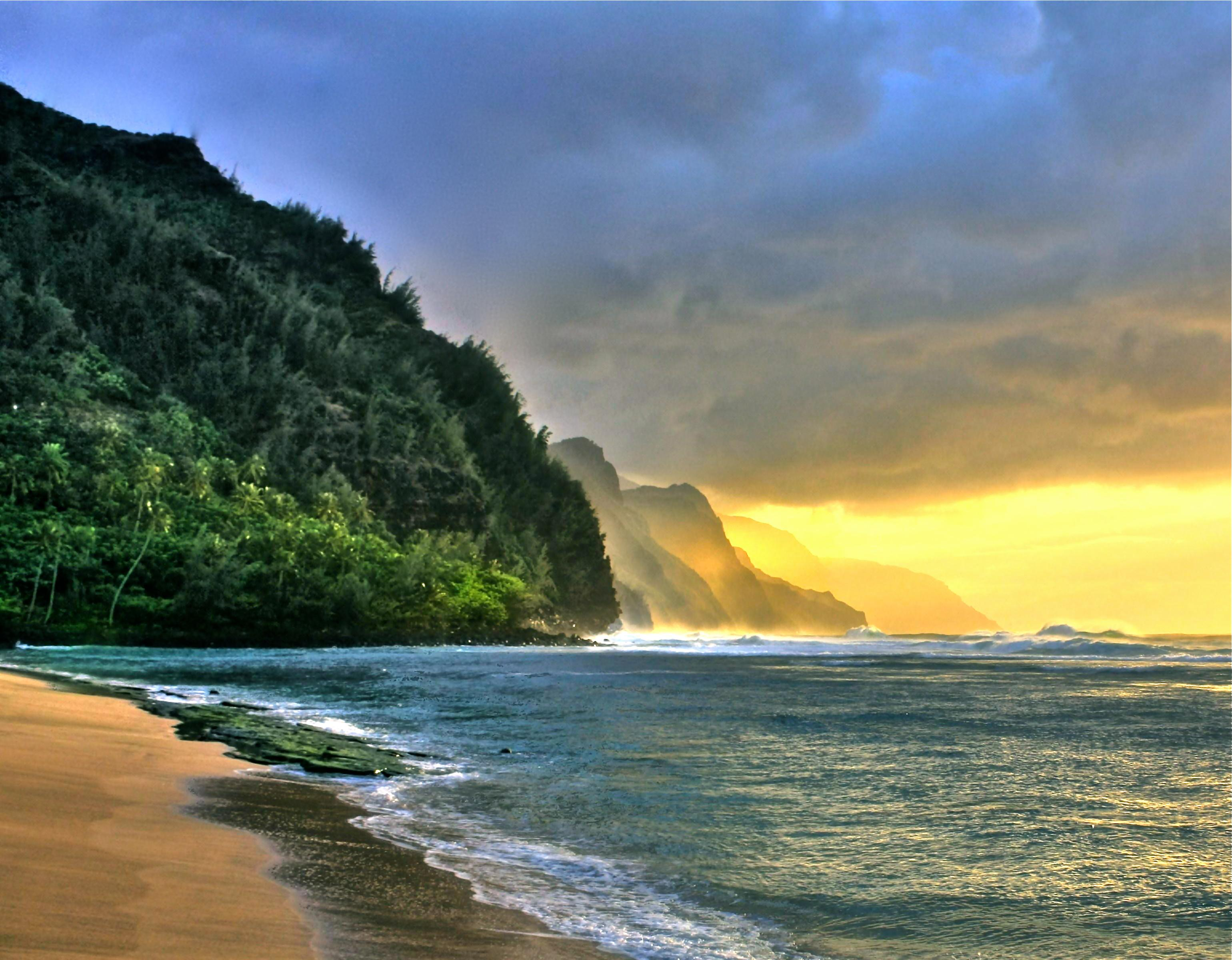 """Kauai North Shore<br/>Photo <a href=""""//creativecommons.org/licences/by-nd/3.0/"""" class=""""cc-small"""" target=""""_blank""""><img typeof=""""foaf:Image"""" class=""""image-style-none"""" src=""""https://i.creativecommons.org/l/by-nd/3.0/80x15.png"""" width=""""80px"""" height=""""15px"""" alt=""""Creative Commons Licence"""" /></a> <a href=""""http://www.flickr.com/photos/20298489@N08/5564685609"""">Chuck 55</a>"""